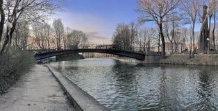 Panorama med bron Arkivbild