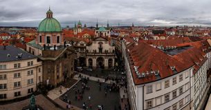 Panorama med horisont av den gammala townen av Prague Arkivbild