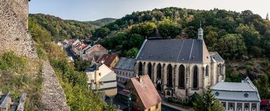 Panorama med kyrkan royaltyfri fotografi