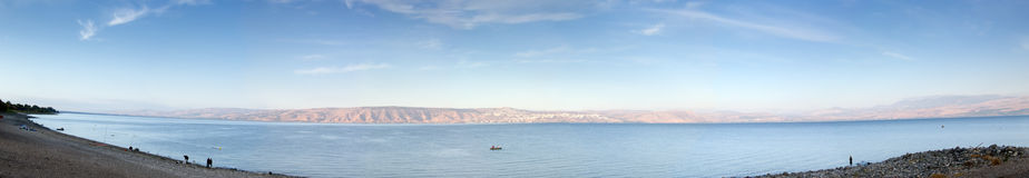 Panorama-Meer von Galiläa am frühen Morgen lizenzfreies stockfoto