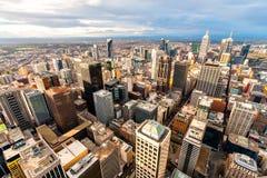 Panorama Melbournes des Stadtzentrums von einem Höhepunkt australien Stockbild
