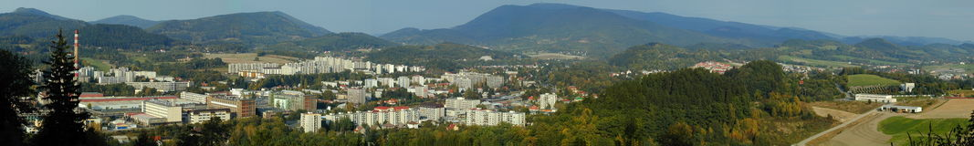 Panorama miasta Roznov strąk Radhostem, republika czech obrazy stock