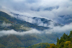 Panorama of misty mountain tops Royalty Free Stock Photos
