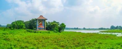 Panorama mit Buddha-Schrein Lizenzfreie Stockfotos