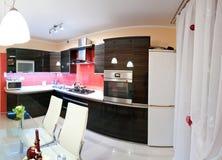 Panorama moderno de la cocina Imagenes de archivo