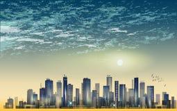 Panorama moderno della città di notte nella luce della luna o nel tramonto, con il reflecti Fotografia Stock