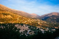 Panorama montagneux 5 de coucher du soleil de la Grèce-Kefalonia photos stock