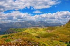 Panorama Montenegros, des Nationalparks Durmitor, der Berge und der Wolken Sonnenlicht lanscape Freies Meer und blauer Himmel am  Lizenzfreie Stockfotos