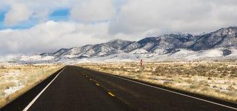 Panorama- montering Augusta Range Central Nevada Hills för vinterlandskap Arkivbilder