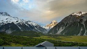 Panorama Mount Cook in the evening, fast-moving clouds and vanilla skies in time-lapse photography