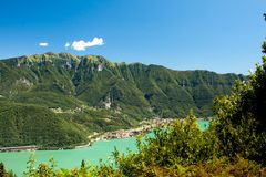 Panorama of mountains and lake Royalty Free Stock Photos