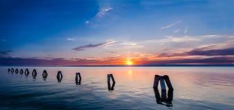 Panorama multicolor de la costa costa Foto de archivo libre de regalías