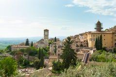 Panorama na Assisi wzgórzach i miasteczku zdjęcie stock