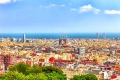 Panorama na Barcelona mieście od Montjuic kasztelu zdjęcia stock