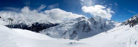 Panorama nella località di soggiorno di Solden fotografie stock libere da diritti