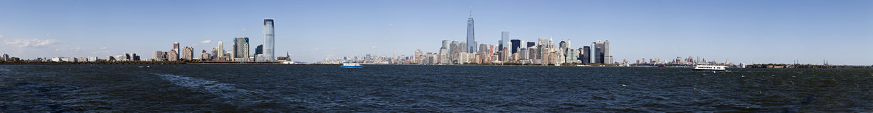 Panorama New York City, Jersey City, Brooklyn och regulatorer Isla Royaltyfri Fotografi