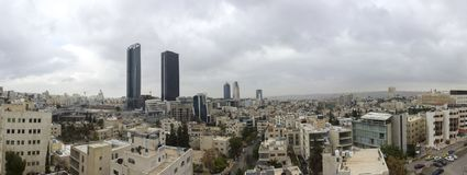 panorama nieuw de stad in van Amman abdaligebied - Jordan Amman-stad - Mening van moderne gebouwen in Amman Stock Fotografie