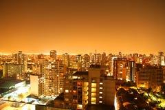 Panorama nocturno de Santiago de Chile Imágenes de archivo libres de regalías