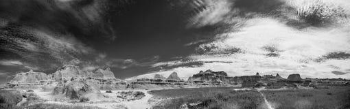 Panorama noir et blanc de bad-lands Photographie stock libre de droits