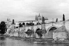 Panorama noir et blanc de Prague photos libres de droits