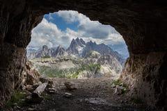 Panorama od spowodowany przez człowieka jaskiniowego, Dolomity, Włochy. Obrazy Royalty Free