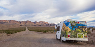 Free Panorama Of An RV At A Gravel Road In Death Valley Royalty Free Stock Image - 73939936