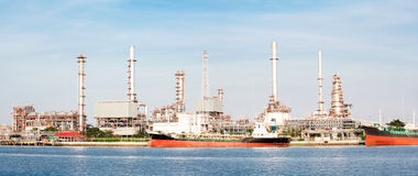 Panorama Oil refinery plant tanker Stock Photo