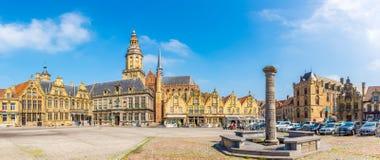 Panorama op de Grote plaats van Grote markt in Veurne - België stock fotografie
