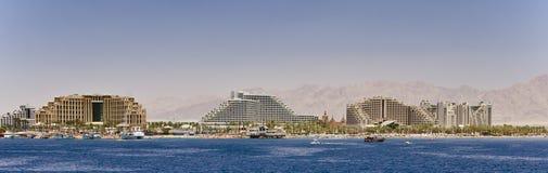 Panorama op noordelijk strand van Eilat, Israël Stock Foto's