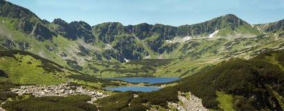 Panorama op Tatras-bergen, Vallei van vijf vijvers Zakopane in Polen royalty-vrije stock foto's