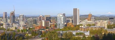 Panorama Orégon de bâtiments de ville de Portland Photographie stock libre de droits