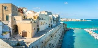 Panorama in Otranto, provincie van Lecce in het Salento-schiereiland, Puglia, Italië stock afbeelding