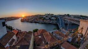 Panorama oude stad Porto bij rivier Duoro, met Haven stock video