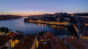 Panorama oude stad Porto bij rivier Duoro, met Haven stock video