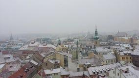 Panorama over de bovenkanten van het tegeldak in Praag, Tsjechische Republiek royalty-vrije stock afbeeldingen