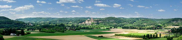 Panorama på ett typisk Perigord landskap i Frankrike Royaltyfri Foto