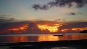 Panorama piękny zmierzch morzem zbiory wideo