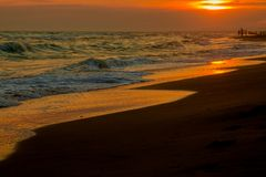 Panorama piękny zmierzch na oceanie Zdjęcia Royalty Free