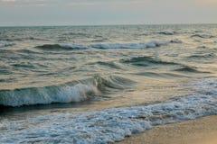 Panorama piękny zmierzch na oceanie Obraz Royalty Free