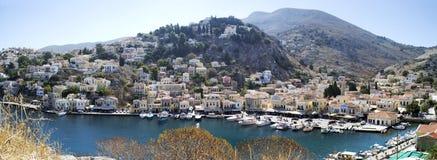Panorama pittoresco del porto di Symi Fotografia Stock Libera da Diritti