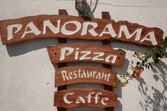Panorama-Pizza-Gaststätte-Zeichen Lizenzfreie Stockfotos