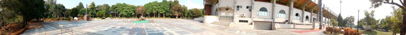 Panorama - plaza fora do estádio de basebol da cidade de Chiayi fotografia de stock royalty free