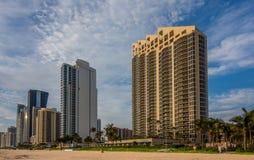 Panorama Pogodnych wysp Plażowy miasto Obrazy Stock