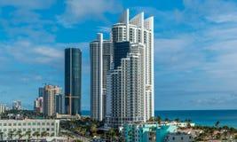 Panorama Pogodnych wysp Plażowy miasto Zdjęcie Stock