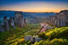 Panorama & por do sol de Meteora Imagens de Stock Royalty Free