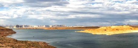 Panorama: Por do sol de Powell do lago - Glen Canyon, página, o Arizona, AZ Imagens de Stock