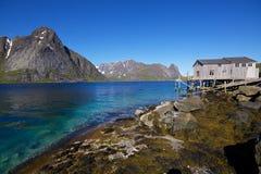 Panorama por el fiordo Fotos de archivo libres de regalías