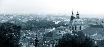 panorama- prague sikt fotografering för bildbyråer