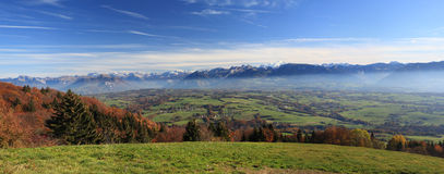 Panorama przy francuza Alpes latem Zdjęcie Royalty Free