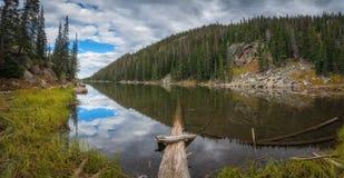 Panorama rêveur de lac Photographie stock